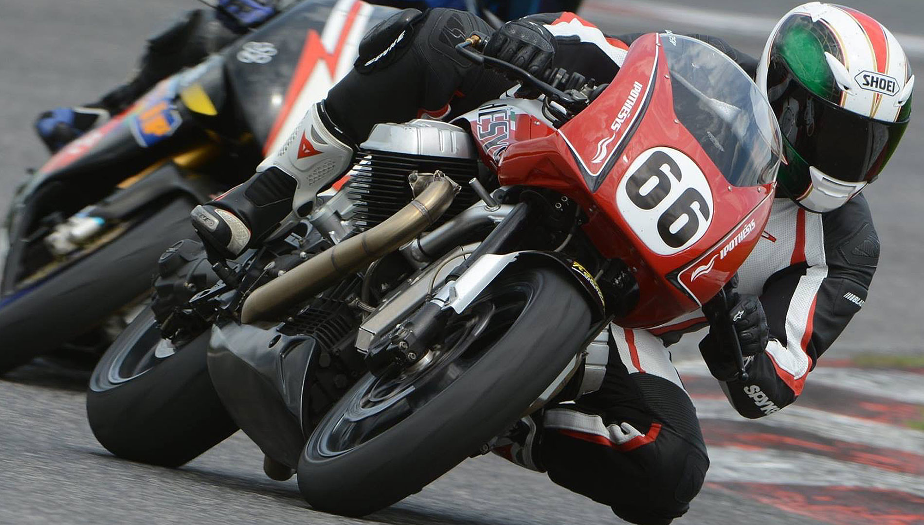 Aria V12 Racing